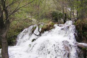 Primavera y Cerezo en Flor en el Valle del Jerte: Ruta senderista Camino del Maqui