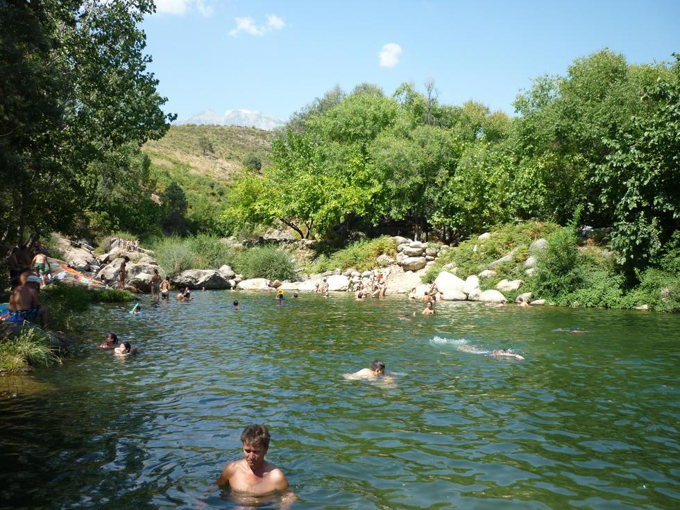 Zonas de ba o y piscinas naturales en gredos norte for Piscinas naturales sierra de gredos